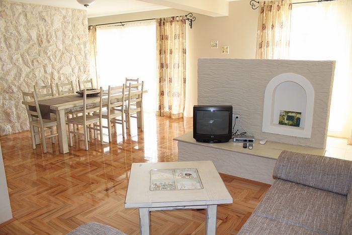 wohnung typ 8 i boden ferienwohnungen koda ferienwohnungen novalja pag kroatien. Black Bedroom Furniture Sets. Home Design Ideas